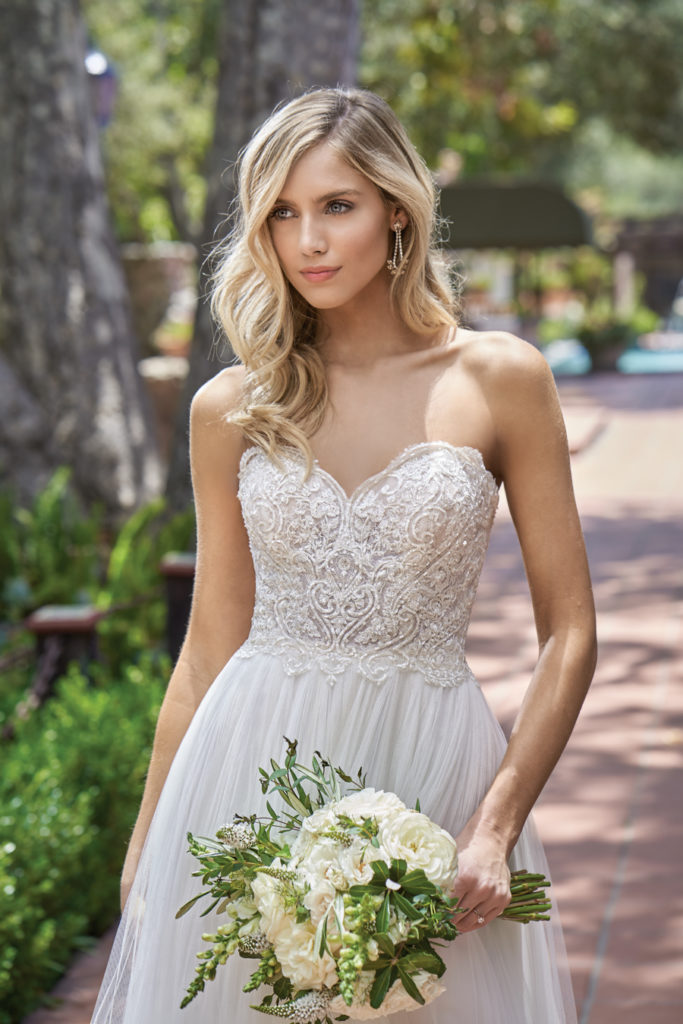https://www.jasminebridal.com/blog/wp-content/uploads/2019/04/F211012-FT-683x1024.jpg