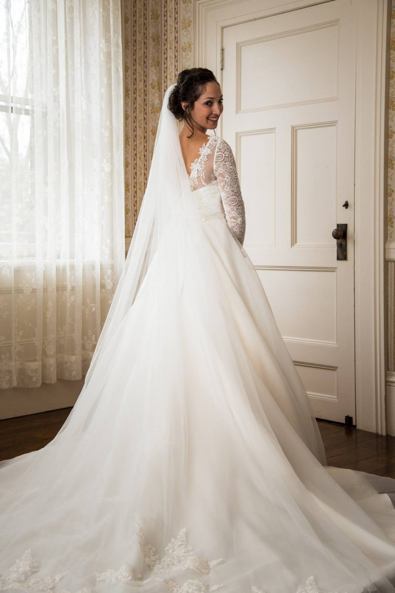 A Complete Timeline of Wedding Dress Shopping