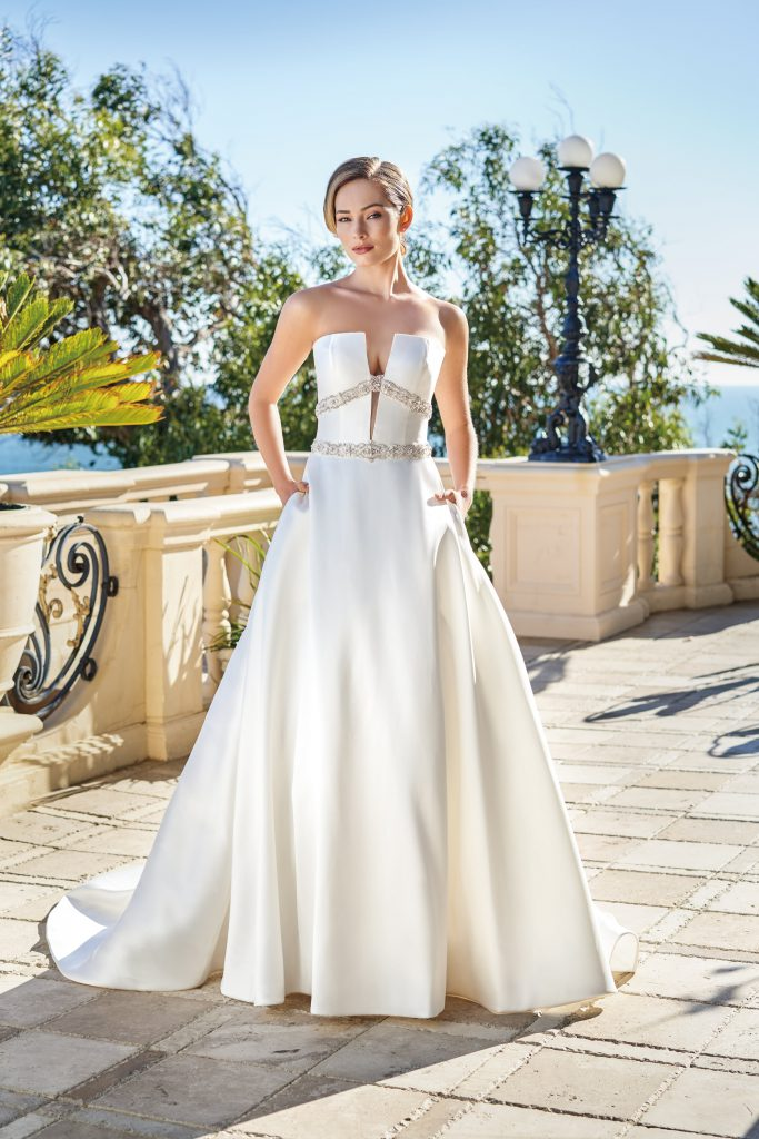 2020 Wedding Trends-Plunging Neckline-Jasmine Couture Spring 2020-T222002