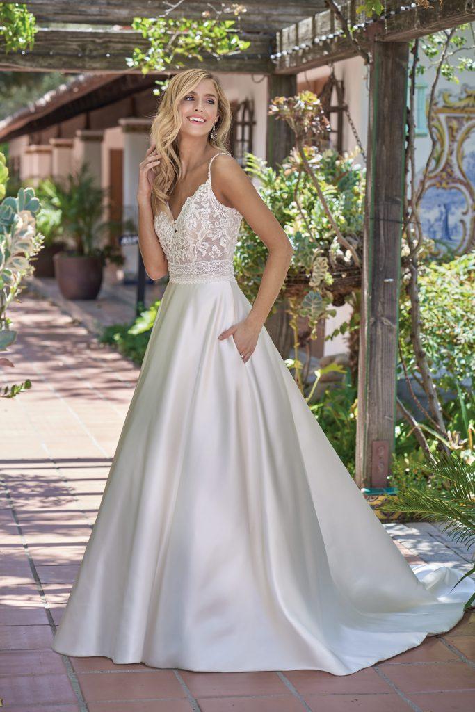 Winter Wedding Dresses- F211004