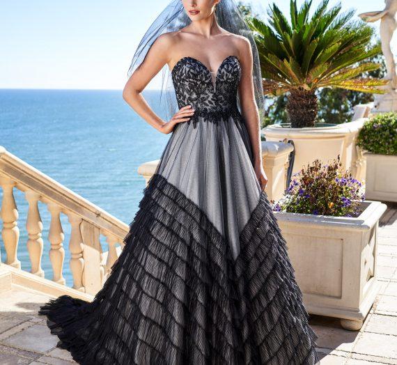 "14 ""Hocus Pocus"" GIFs of Wedding Dress Shopping"