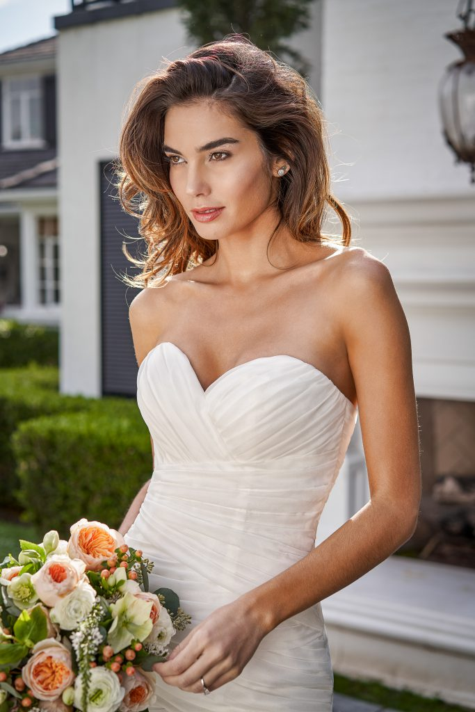 Wedding Dress Necklines- Inverted Triangle
