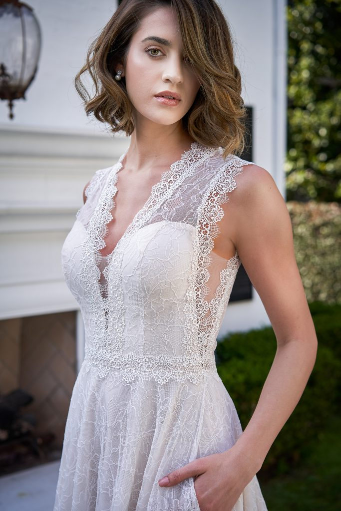 Wedding Dress necklines- Apple