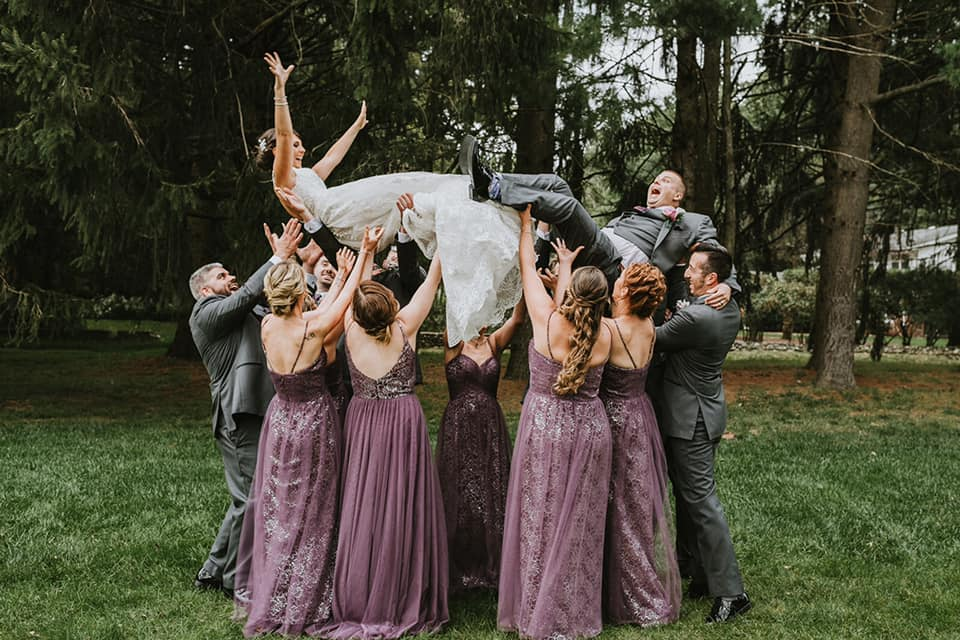 Wedding photo Checklist- Group Hug