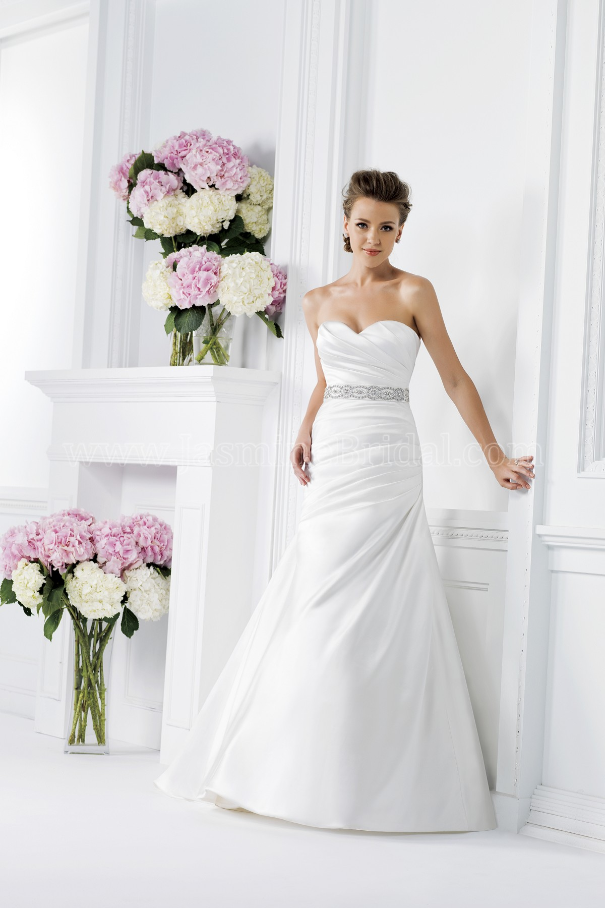 F161001 sweetheart strapless satin wedding dress with beaded waistband izmirmasajfo
