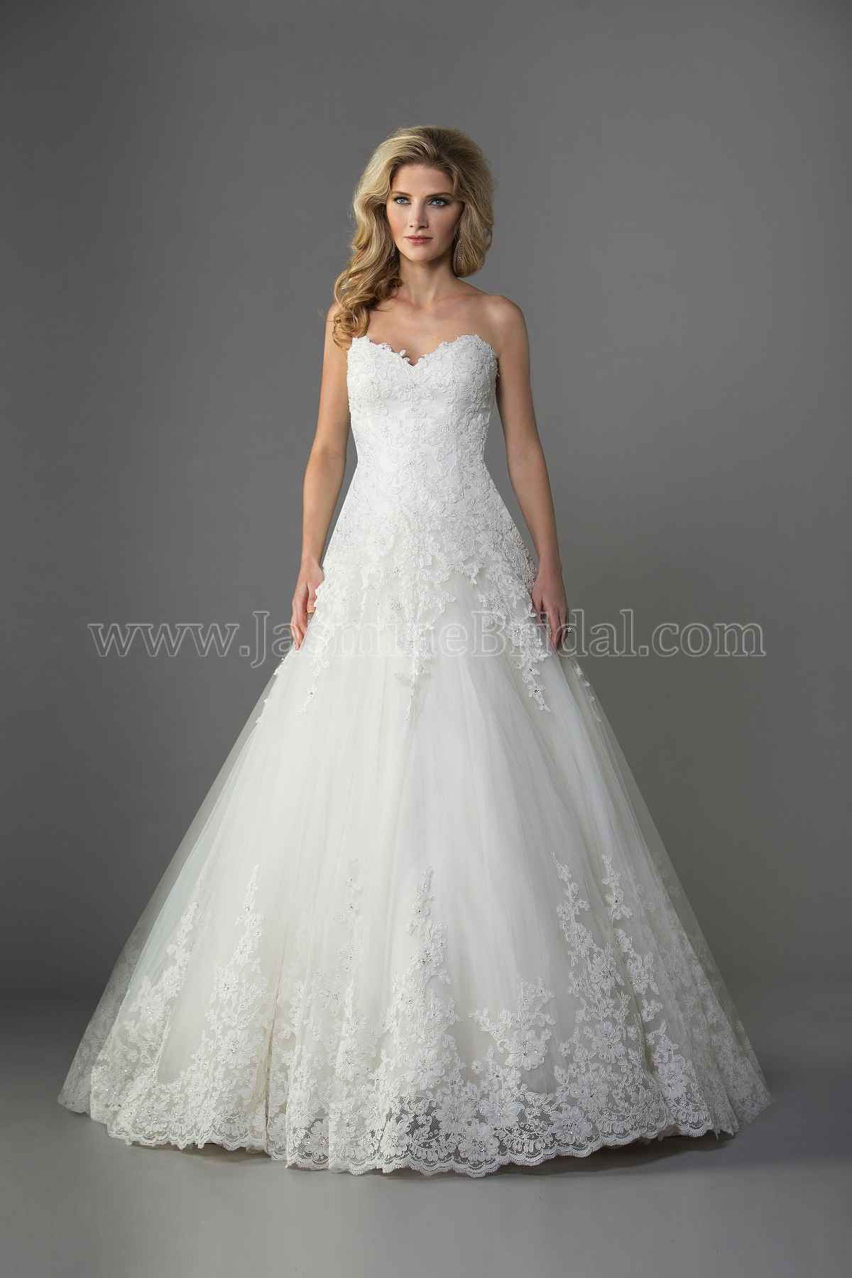F161063 Sweetheart Strapless Lace & Tulle Ball Gown Wedding Dress