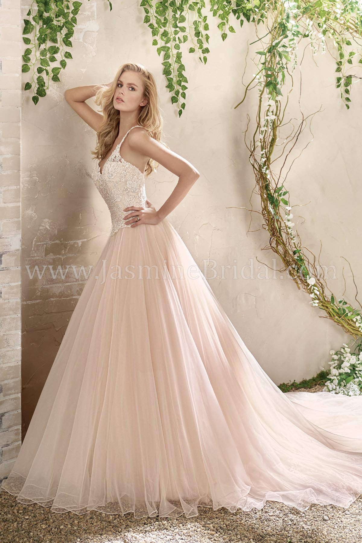 F191018 v neck organza tulle ball gown wedding dress with lace bodice junglespirit Gallery