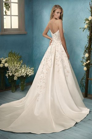 F191065 Sweetheart Strapless Satin Ball Gown Wedding Dress