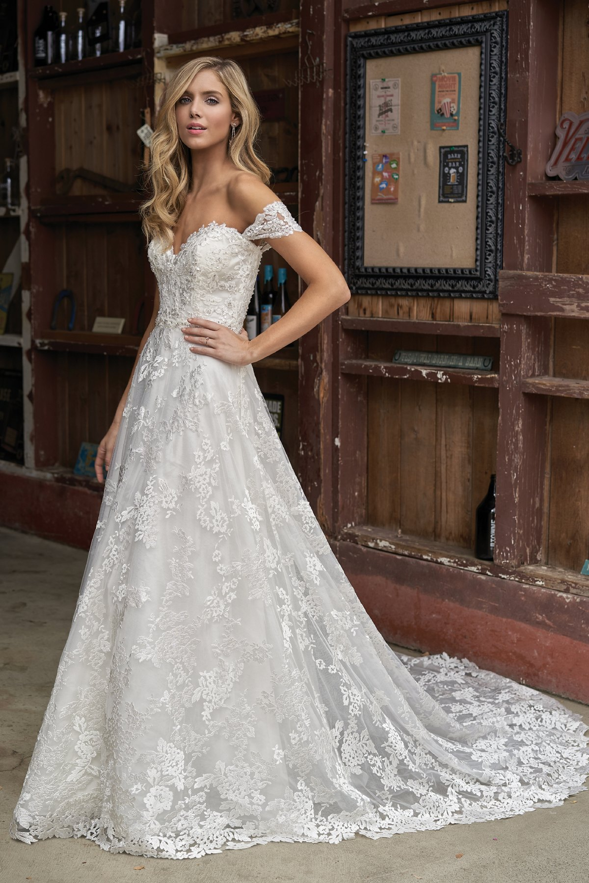 890b4ba4e F211013 Beaded Sweetheart Neckline & Embroidered Lace Wedding Dress