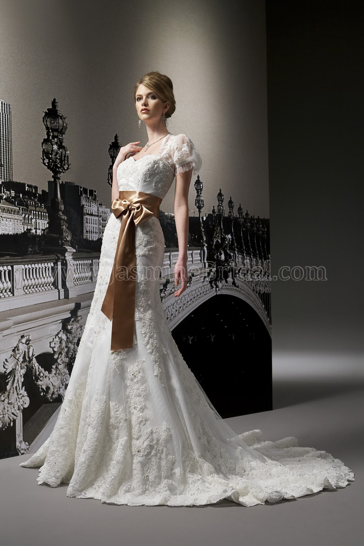 T180 Sweetheart Strapless Organza & Matte Satin Wedding Dress with ...