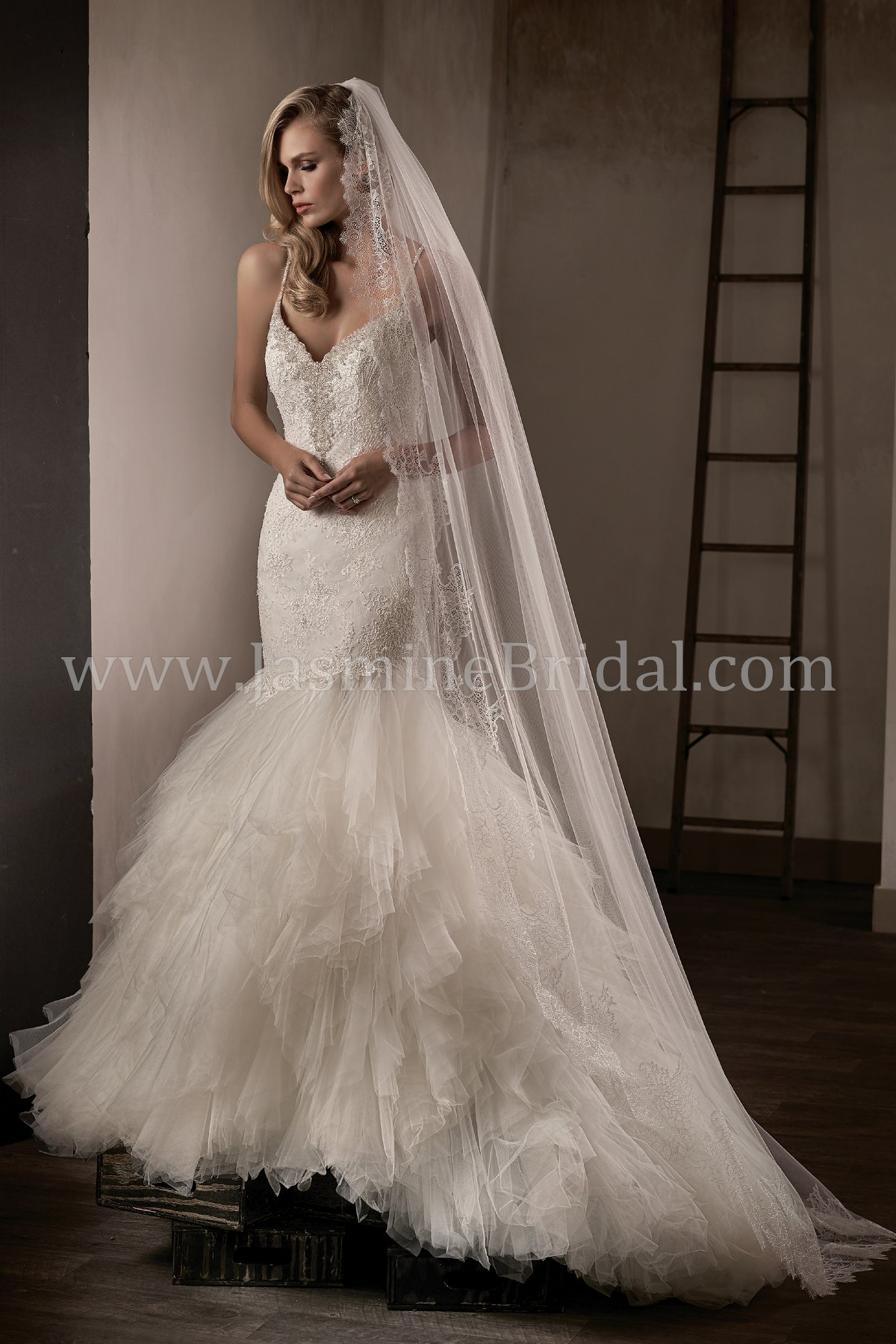 T192015 V Neck Lace Tulle Fit Flare Wedding Dress