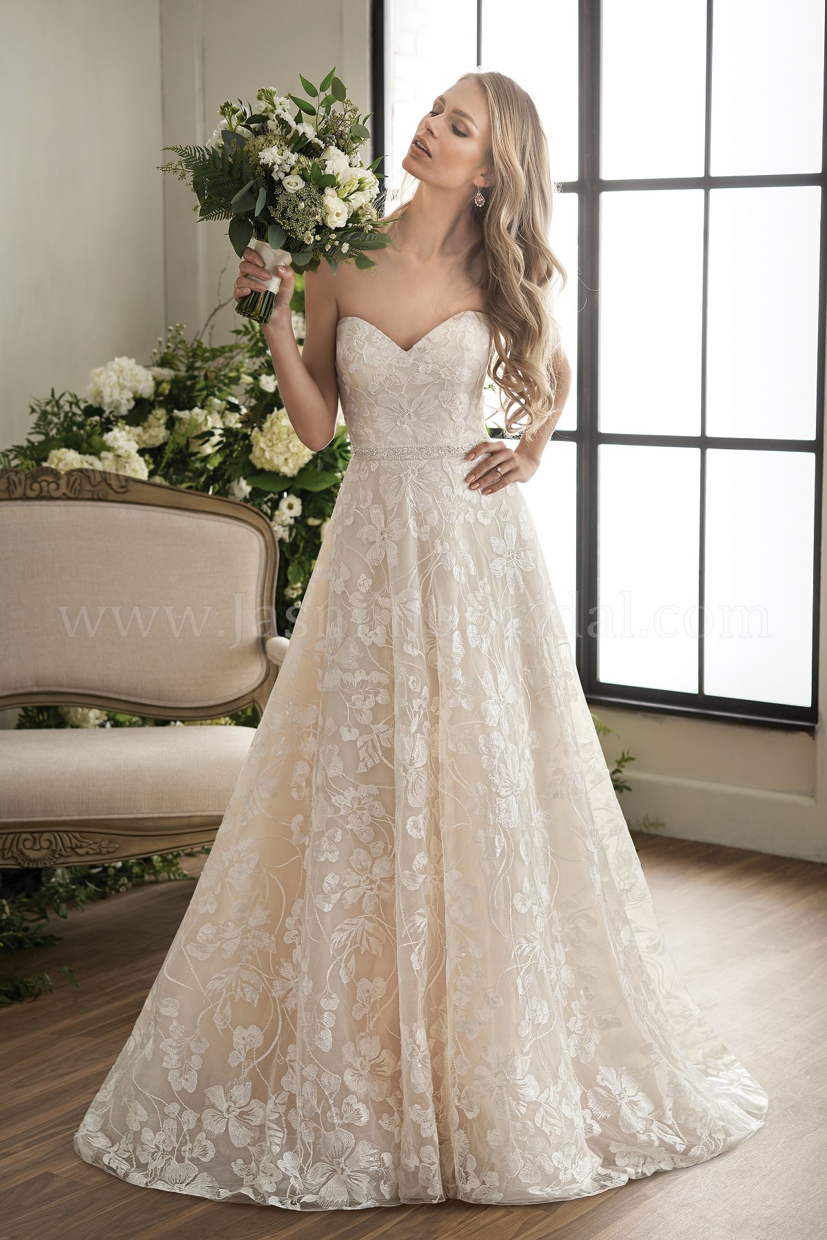 T202010 Sweetheart Strapless Embroidered Lace Ball Gown Wedding Dress