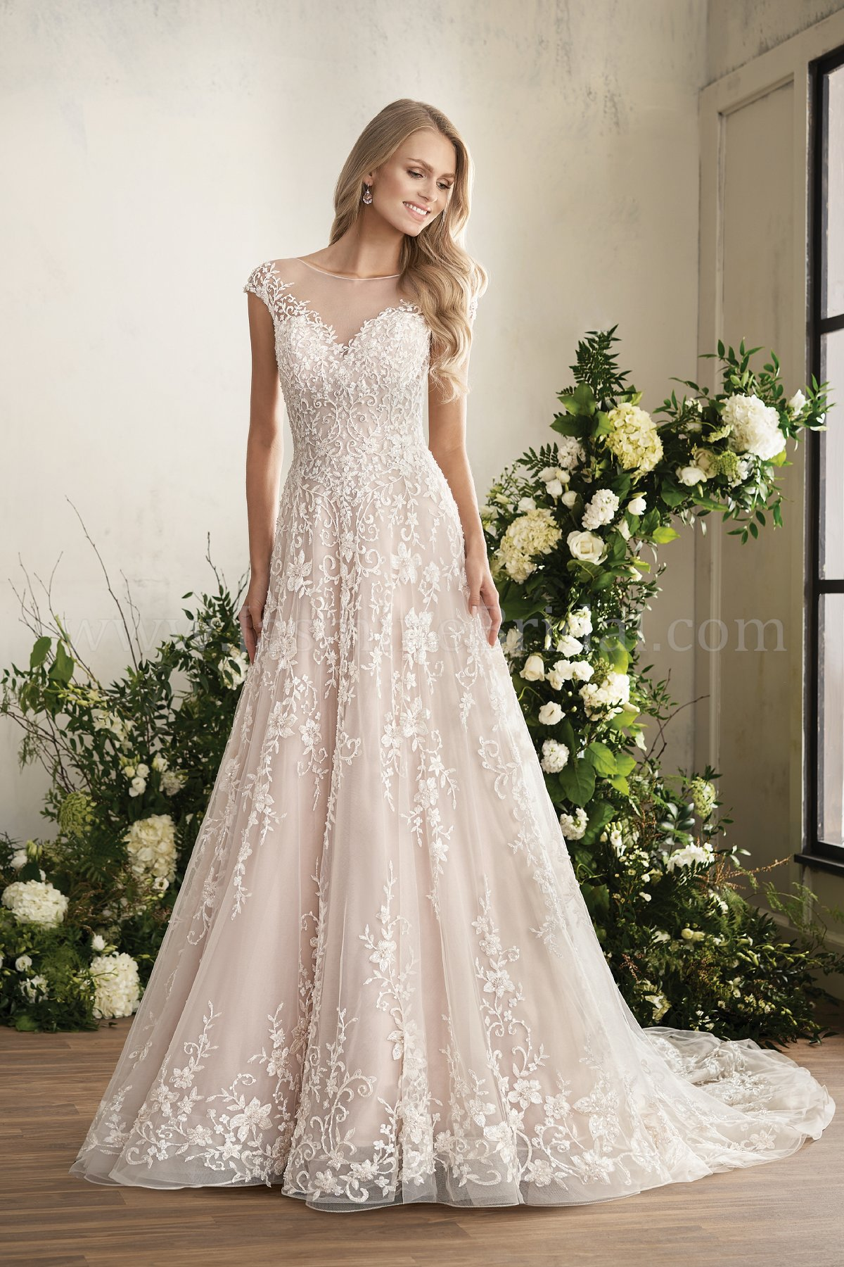T202014 Illusion Neckline Tulle Ball Gown Wedding Dress With