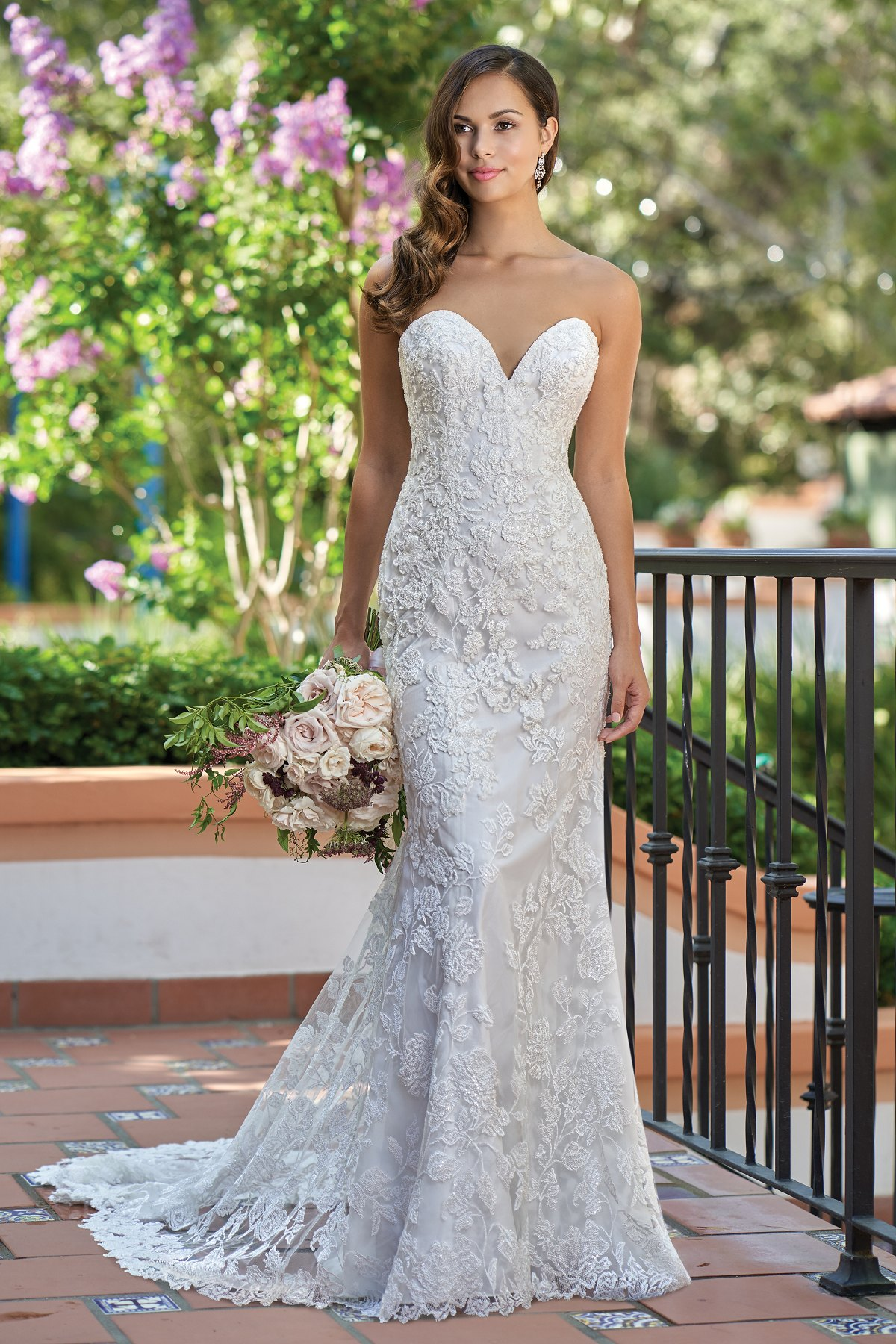 T212003 Romantic Embroidered Lace Strapless Wedding Dress With