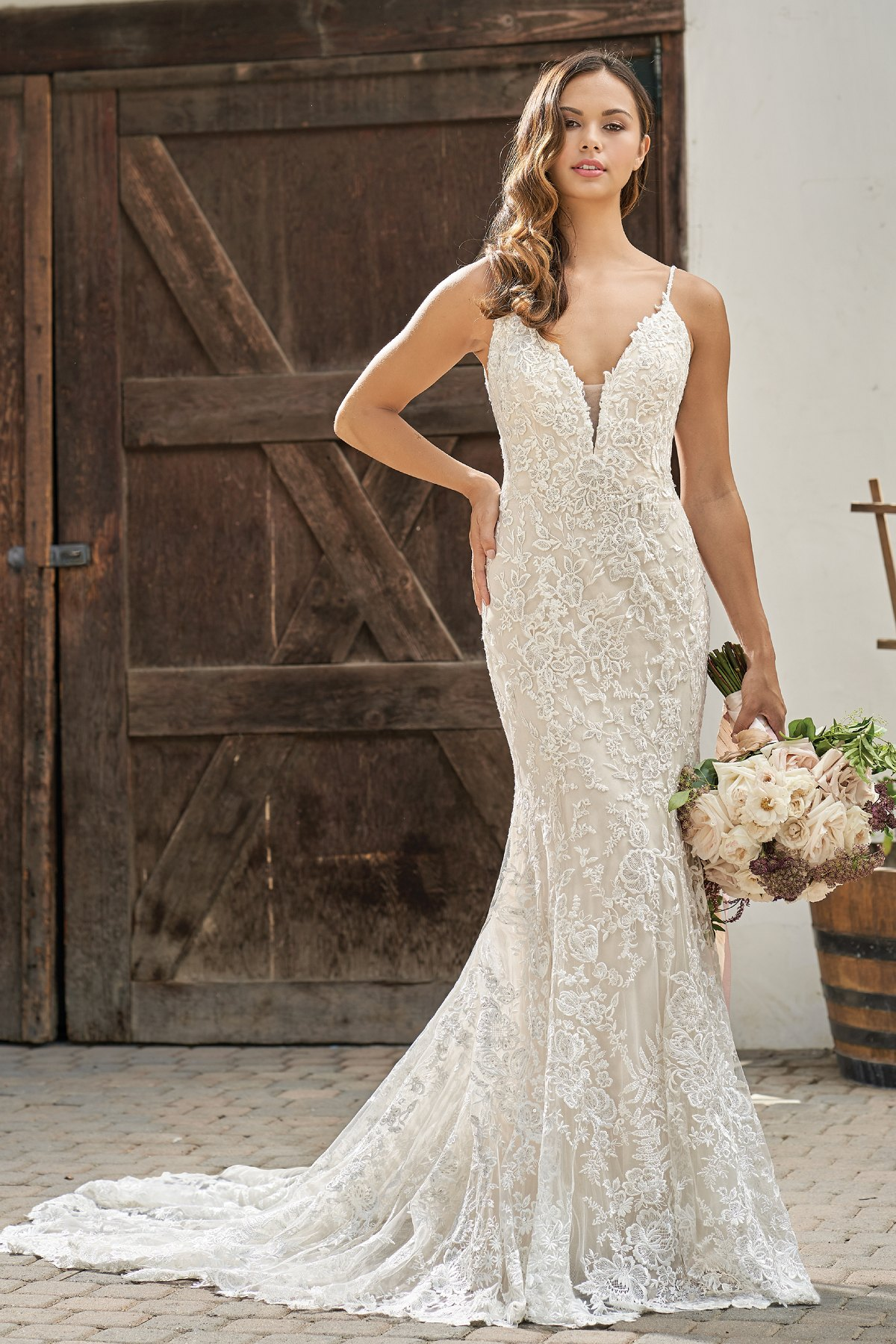 51089ef73c073 T212004 Beautiful Embroidered Lace Wedding Dress with V-Neckline
