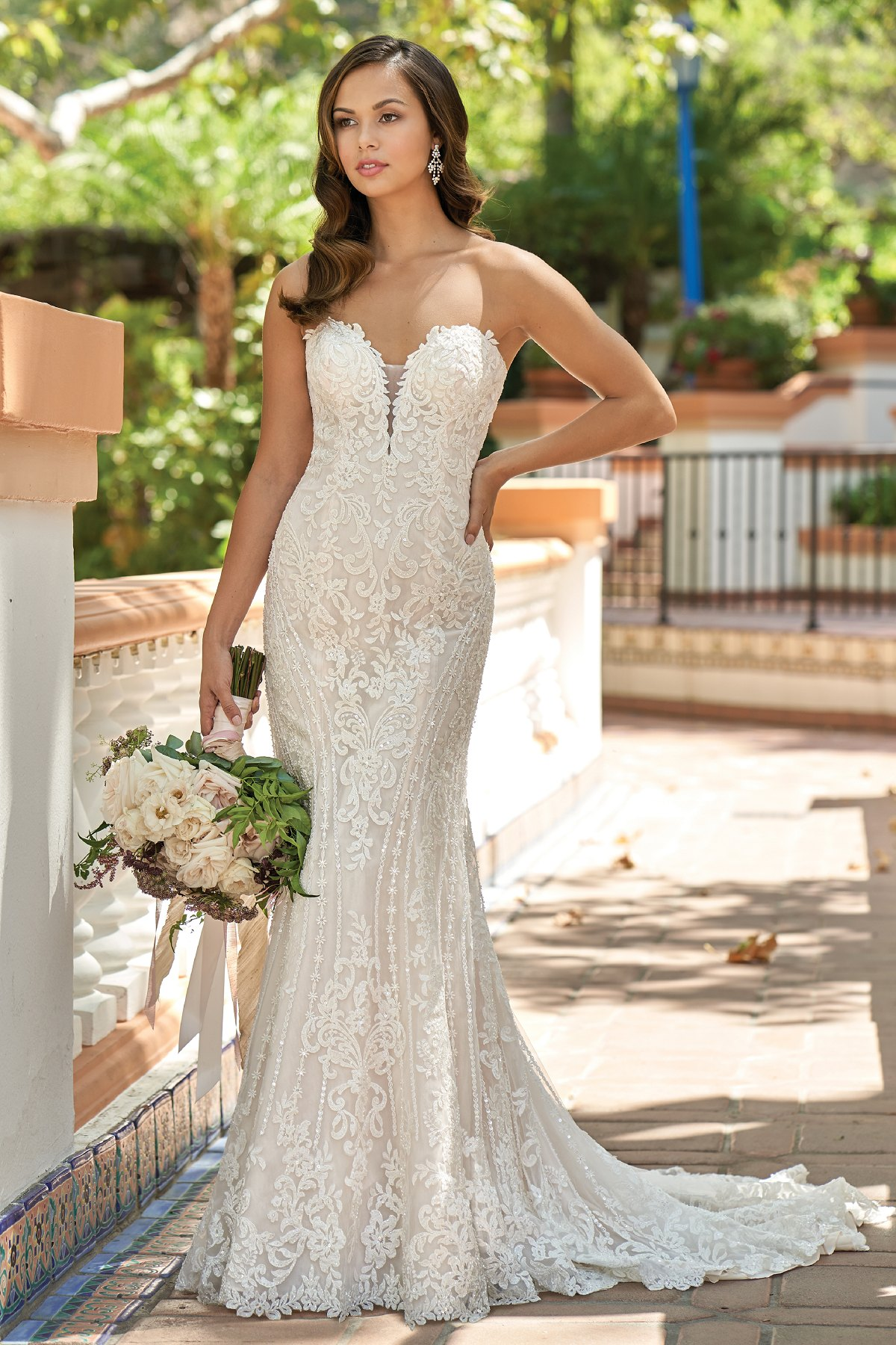 T212007 Romantic Embroidered Lace Strapless Wedding Dress