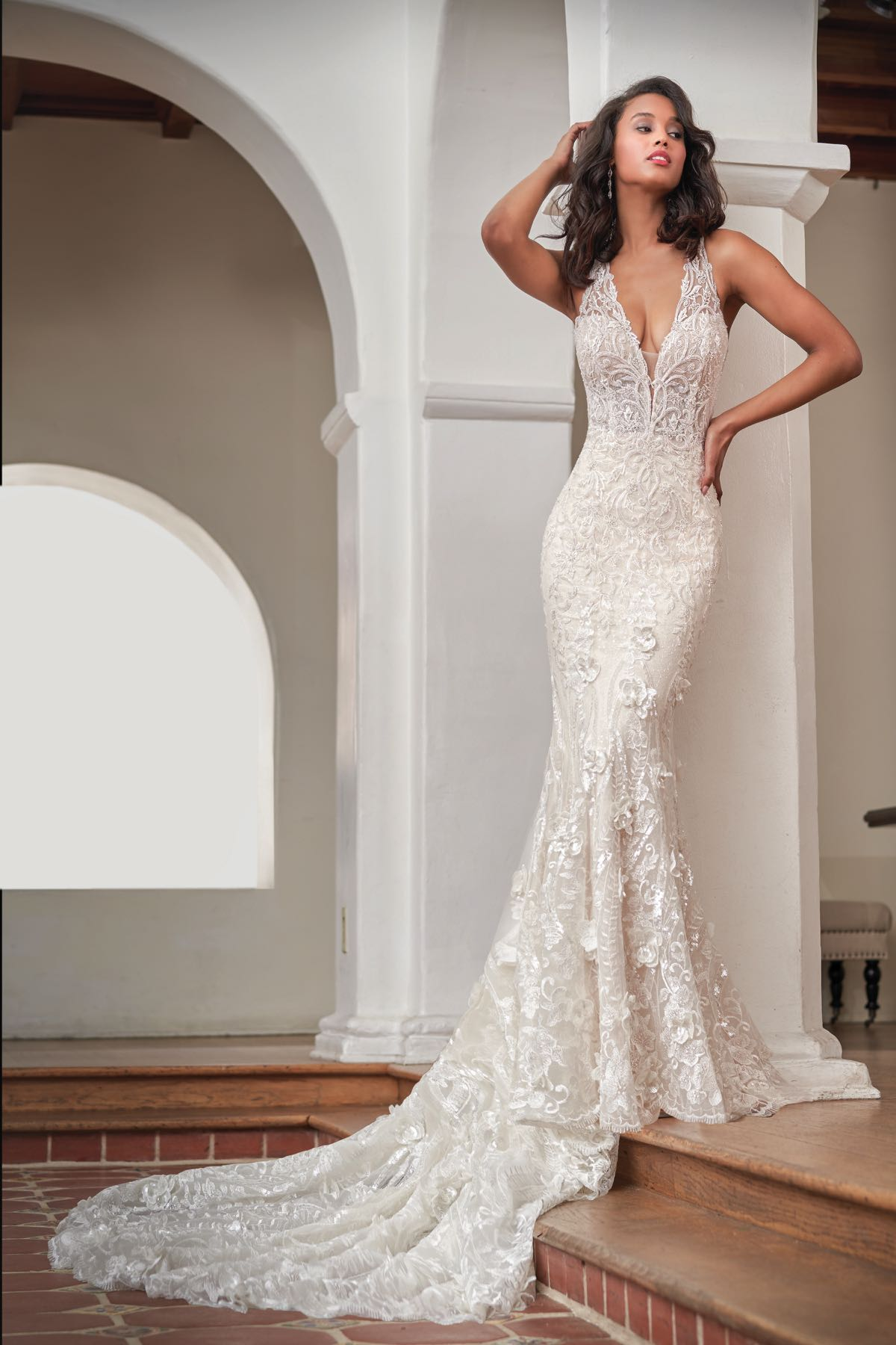 0911c1509 T212058 Gorgeous Embroidered Lace Wedding Dress with Deep V-neckline