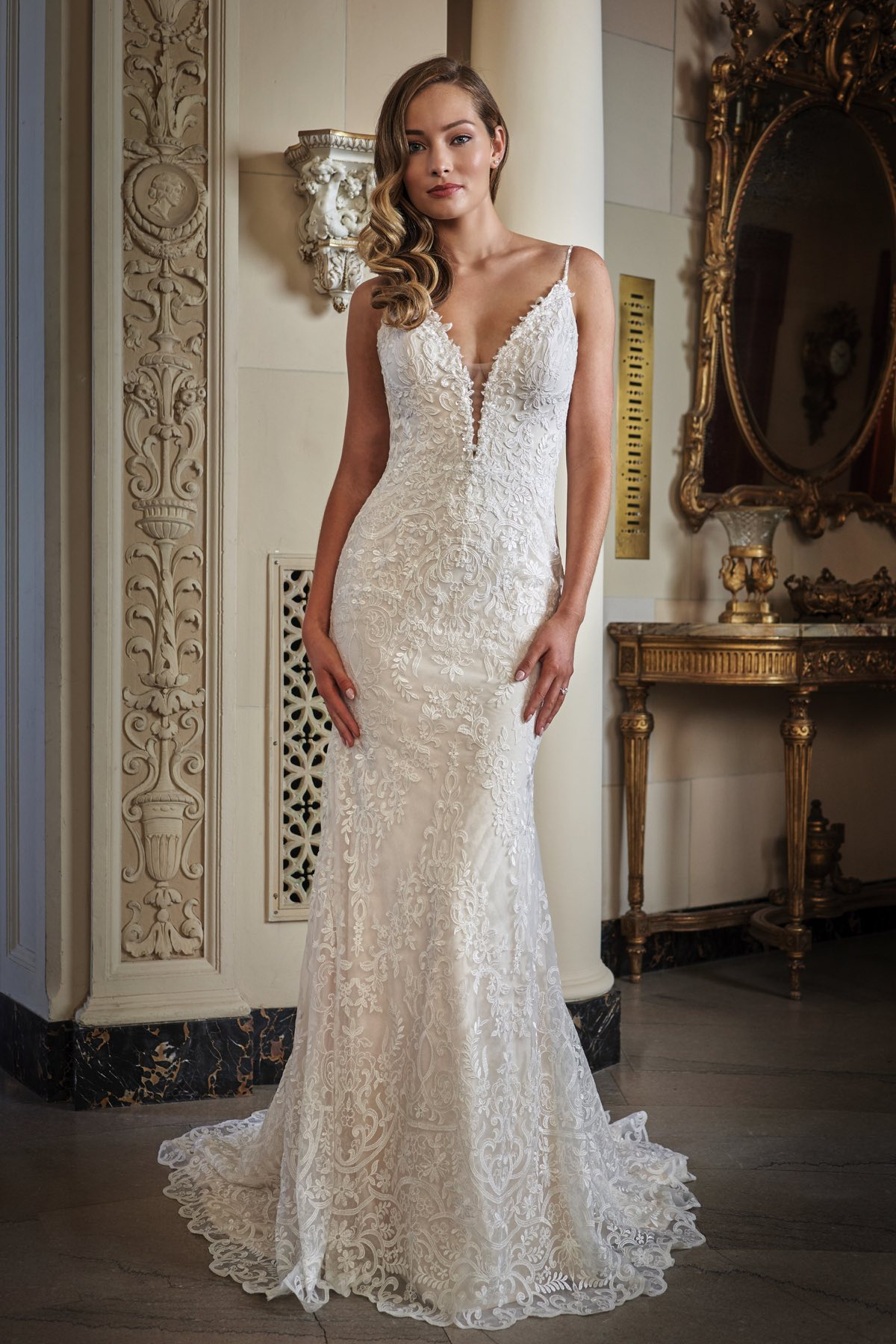 T222007 Embroidery Lace Applique Fit And Flare Sweetheart Wedding Dress