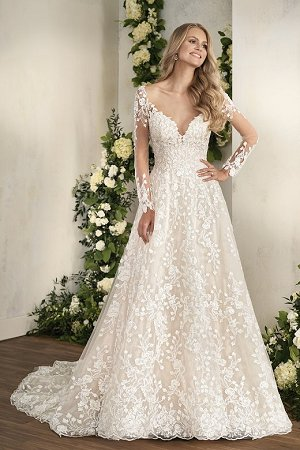 7d7c3626761 T202012. T202012. Pretty and sophisticated bridal ball gown ...